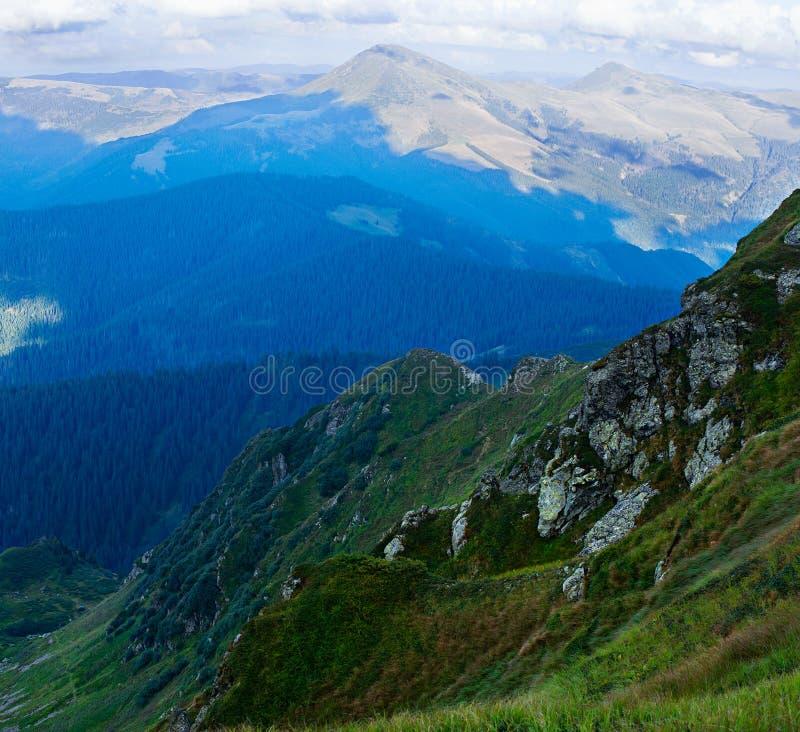 Mening van de bergketen royalty-vrije stock foto