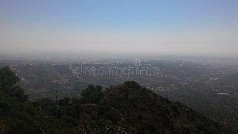 Mening van de bergwegen van Cyprus stock afbeelding