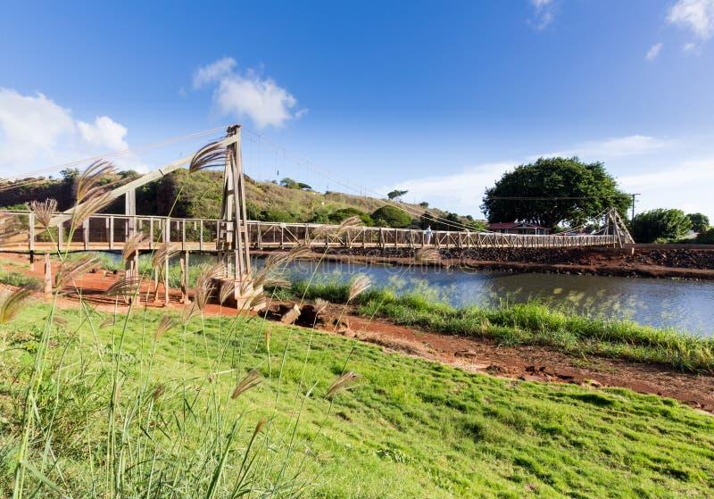 Mening van de beroemde slingerende brug in Hanapepe Kauai stock afbeeldingen