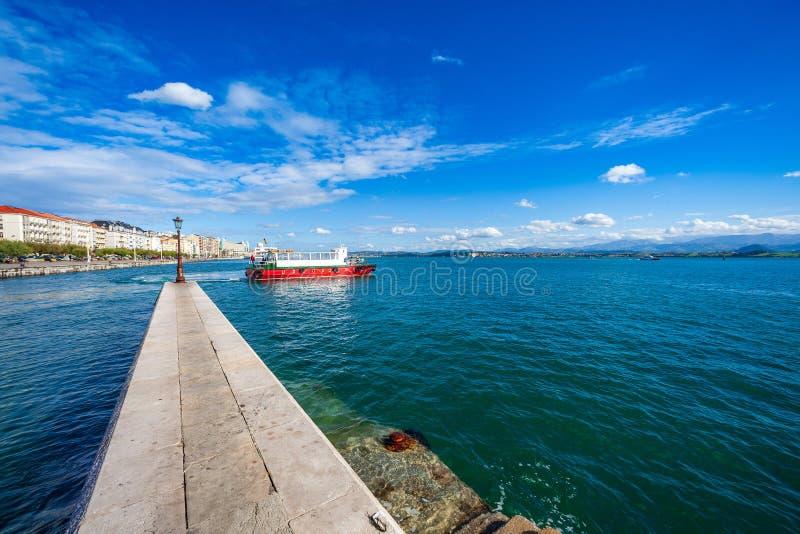 Mening van de dijk van de baai van Santander Cantabrië, Spanje royalty-vrije stock fotografie