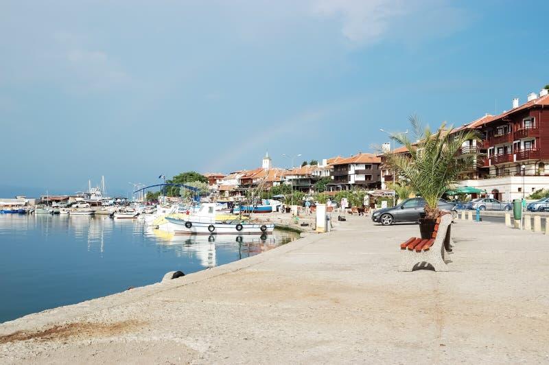 Mening van de dijk en de haven van de oude stad van Nessebar-wi royalty-vrije stock afbeelding