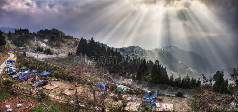 Mening van de Echtelijke Villa van de Liefde, de Berg van Taiwan Lala stock fotografie