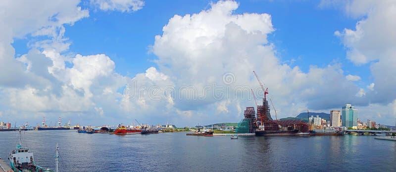 Mening van de Haven en de Baai van Kaohsiung royalty-vrije stock afbeelding