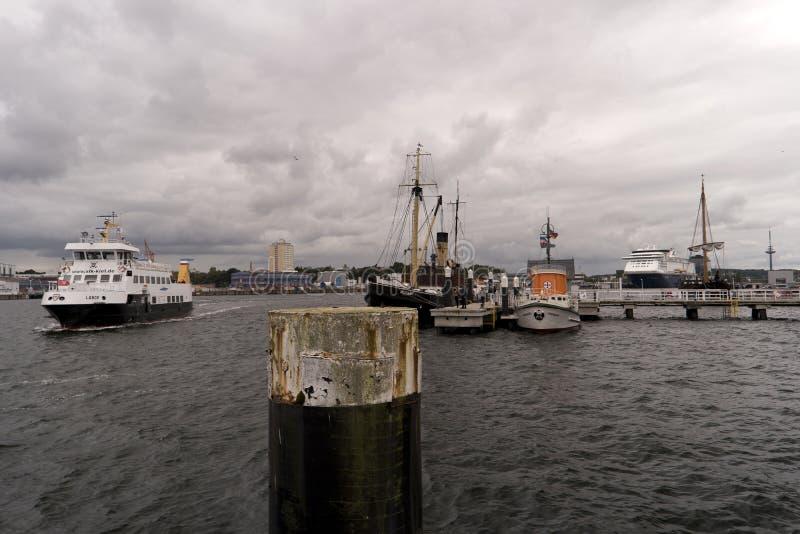 Mening van de haven van Kiel in Duitsland stock afbeelding