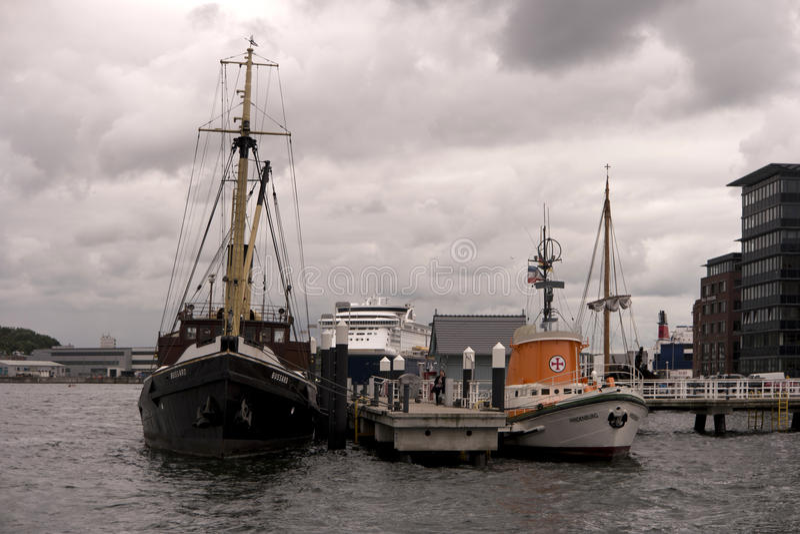 Mening van de haven van Kiel in Duitsland stock foto