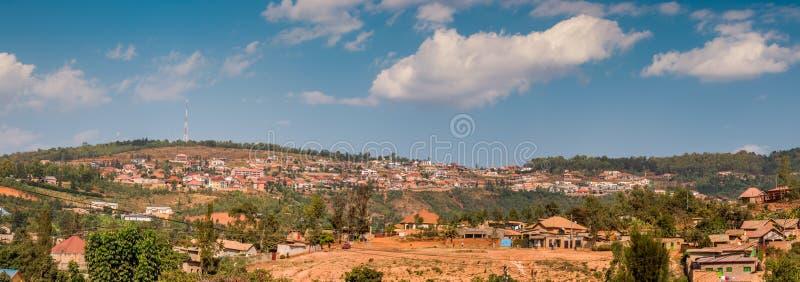 Mening van de heuvelige horizon in Nyamirambo, een afgelegen deel van Kig stock afbeelding