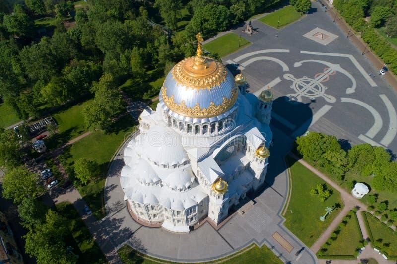 Mening van de hoogten aan Nicholas Naval Cathedral Kronstadt, St. Petersburg stock fotografie