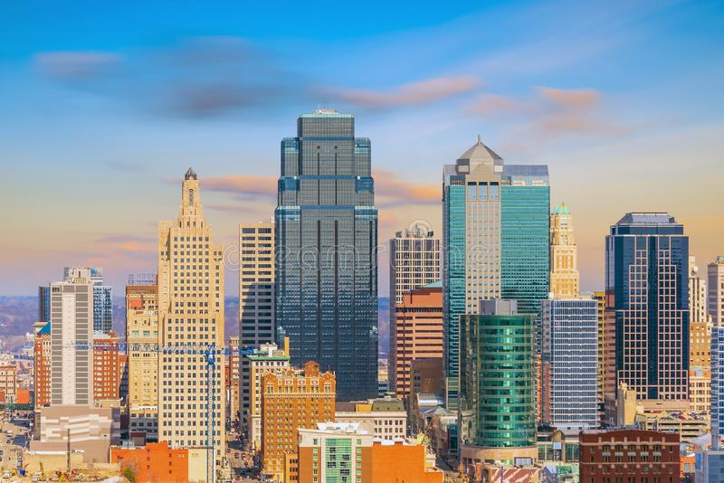 Mening van de horizon van Kansas City in Missouri stock foto's