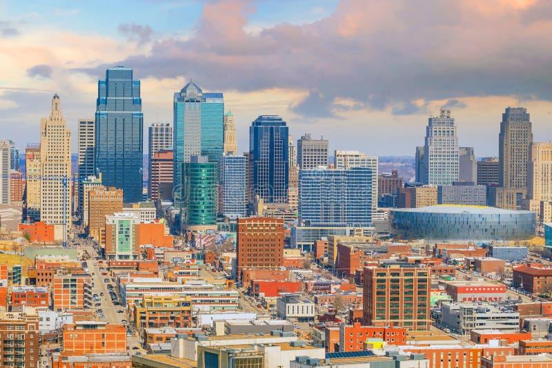 Mening van de horizon van Kansas City in Missouri stock afbeeldingen