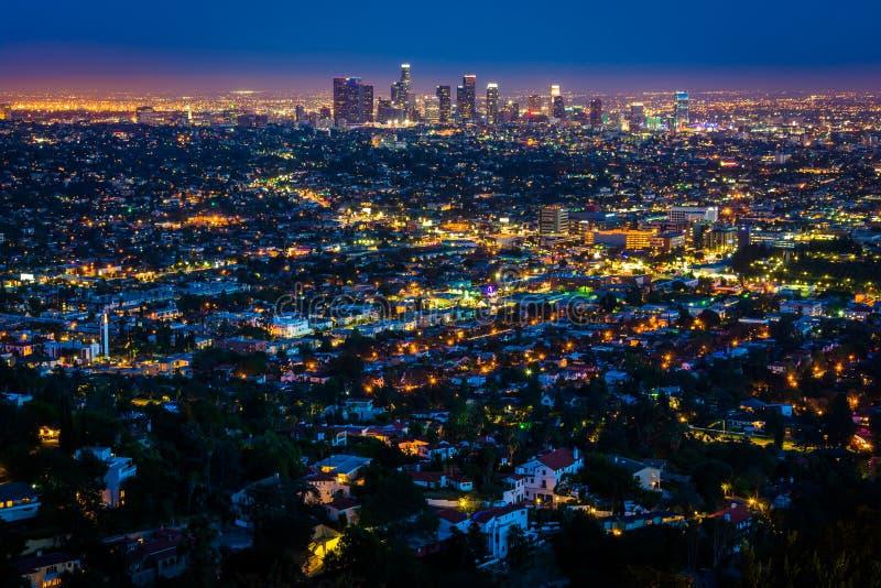 Mening van de horizon van de binnenstad van Los Angeles bij nacht, royalty-vrije stock fotografie