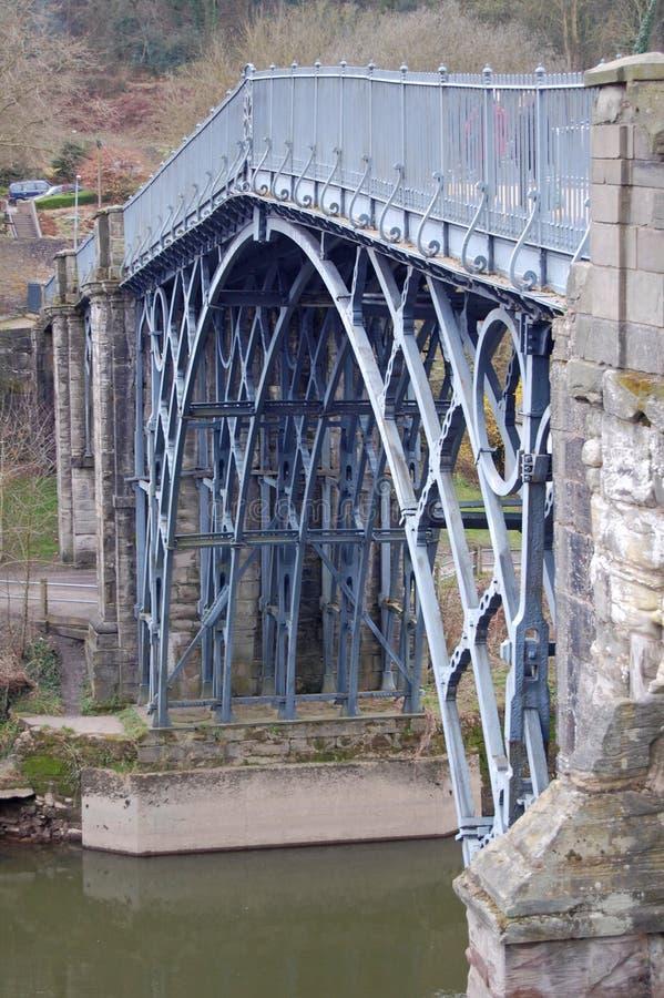 Mening van de ijzerbrug stock foto