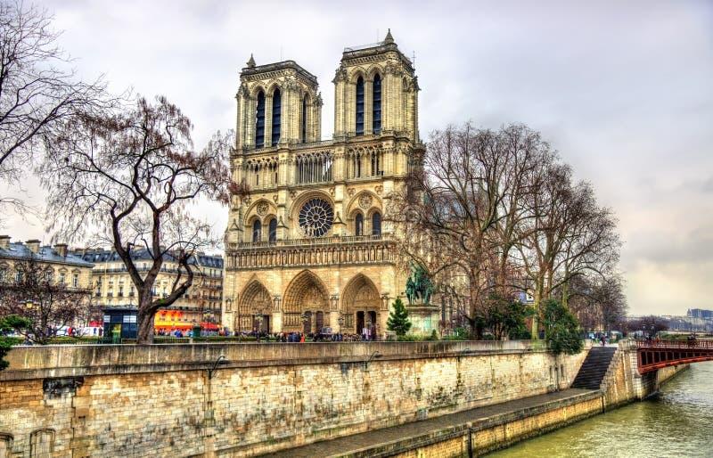 Mening van de kathedraal van Notre Dame de Paris stock fotografie