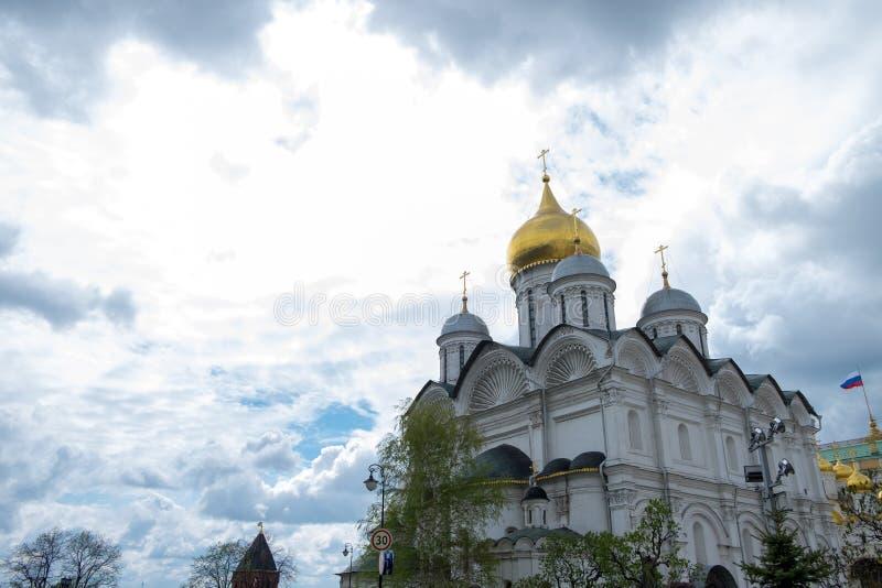 Mening van de kerken in kathedraalvierkant binnen het Kremlin stock afbeelding