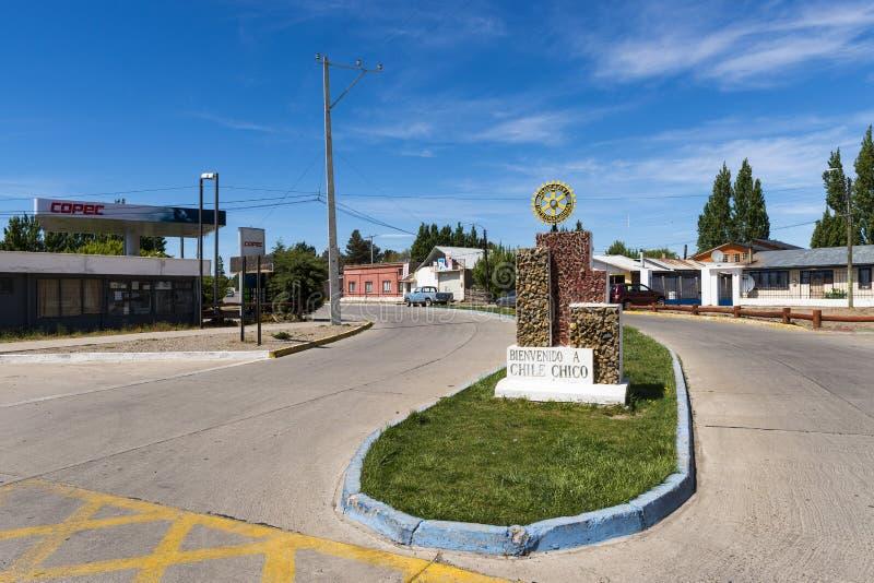 Mening van de kleine stad van Chili Chico, in Patagonië, Chili royalty-vrije stock afbeeldingen