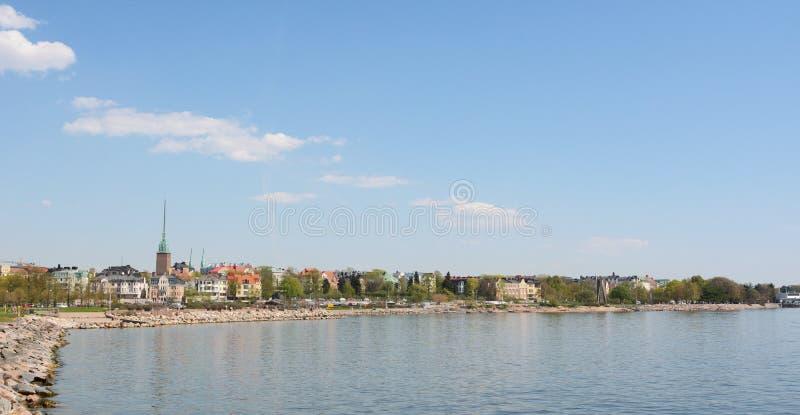 Mening van de kust van Munkkisaari-district, Helsinki stock afbeelding
