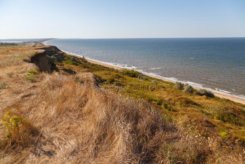 Mening van de kust van het Overzees van Azov stock foto