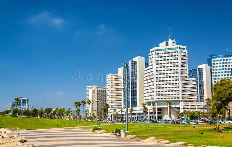 Mening van de Mediterrane waterkant in Tel Aviv stock foto's
