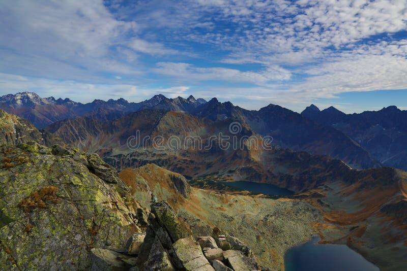 Mening van de Poolse bergen van Swinica Tatry royalty-vrije stock foto's