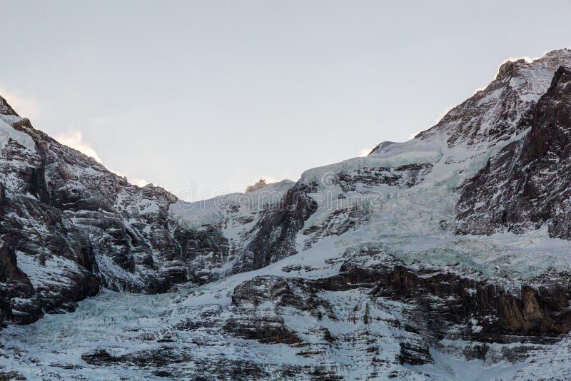 Mening van de skitoevlucht Jungfrau Wengen in Zwitserland stock afbeeldingen
