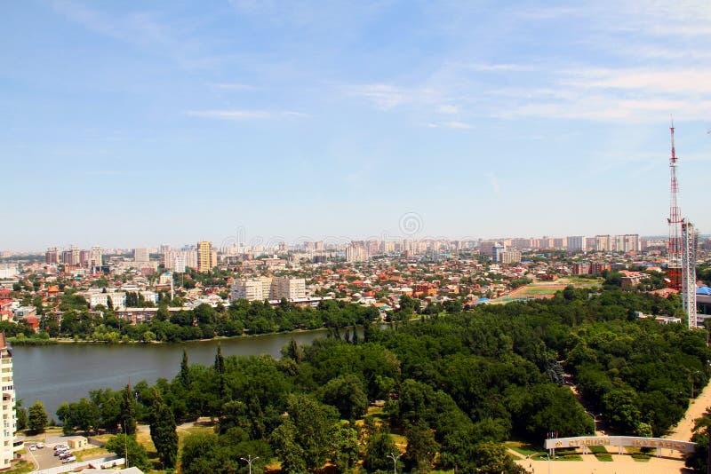 Mening van de stad van Krasnodar royalty-vrije stock afbeeldingen
