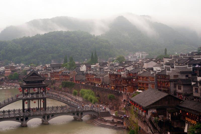 Mening van de stad van Phoenix (de oude stad van Fenghuang) stock fotografie