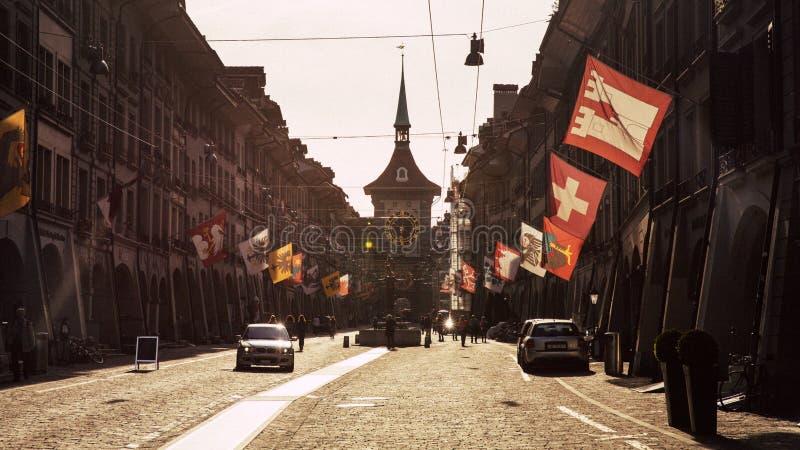 Mening van de straten van het oude stadsdeel van Berne, Zwitserland royalty-vrije stock afbeelding
