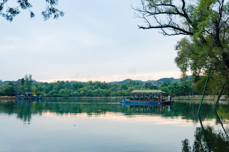 Mening van de Toevlucht van de de Zomerberg van Keizerkangxi ` s in de provincie van Chengdeï ¼ Œ Hebei, China royalty-vrije stock foto's