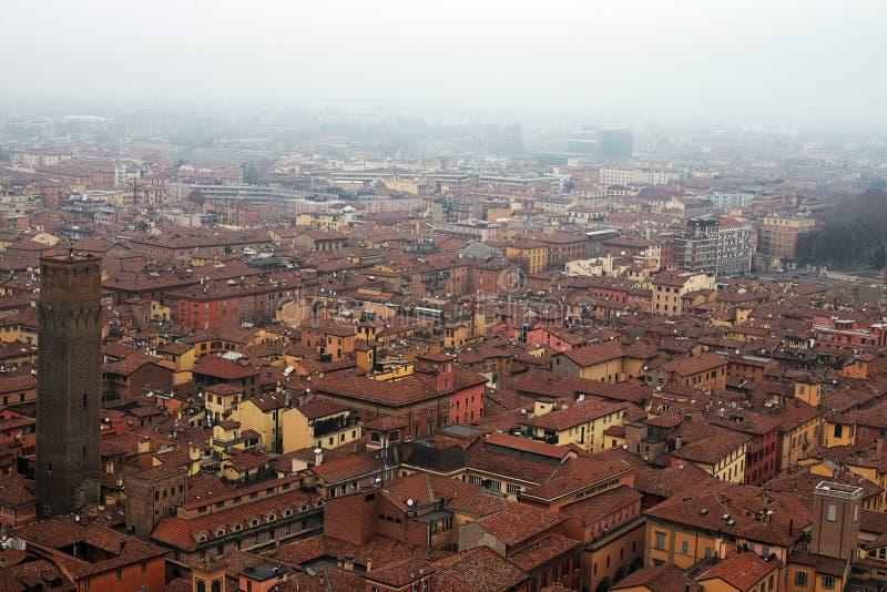 Mening van de toren van het historische centrum van Bologna Italië stock afbeelding