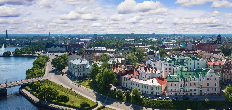 Mening van de Toren van Olaf de oude stad van Vyborg stock afbeelding