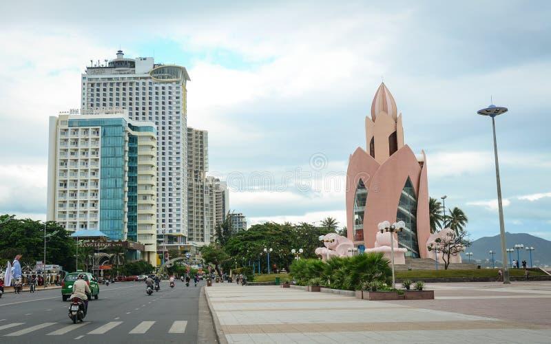 Mening van de Tran Phu-straat in Nha Trang, Vietnam stock fotografie