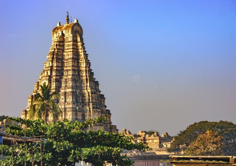 Mening van de Virupaksha-tempel van Hampi, India royalty-vrije stock foto's