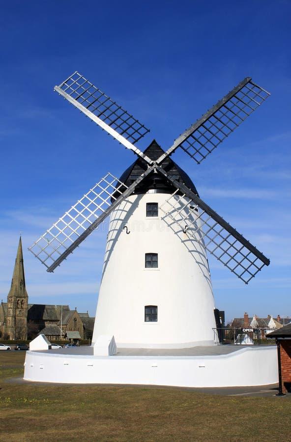 Windmolen in Lytham St Annes, Lancashire, Engeland. royalty-vrije stock foto