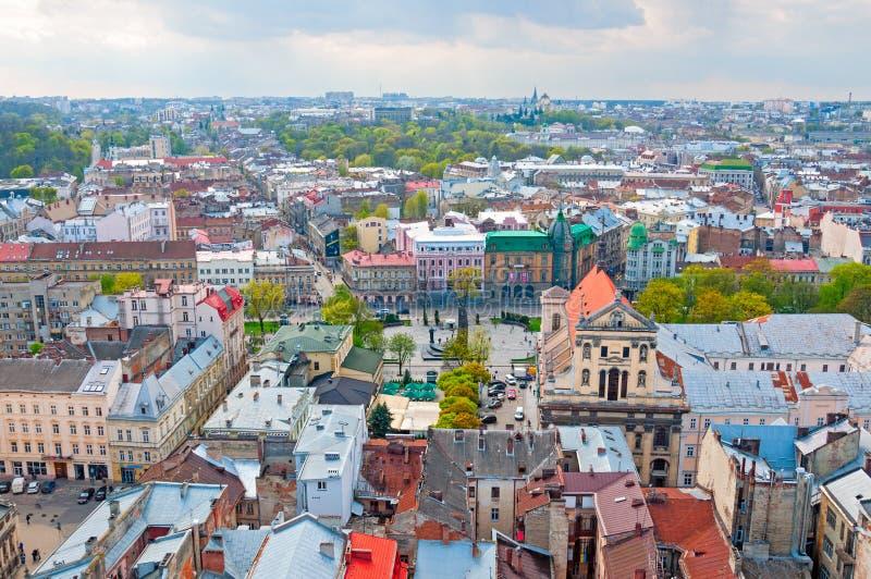 Mening van de woonwijk met hierboven huizen en straten van stock afbeeldingen
