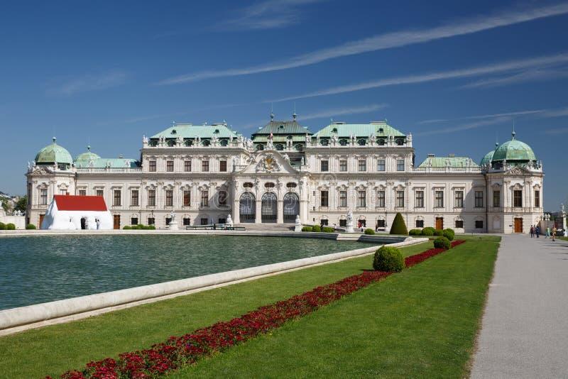 Mening van een barok Hoger Paleis in historische complexe Belvedere, stock foto
