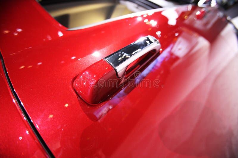 Mening van een moderne auto onder een skay blauw. royalty-vrije stock foto's
