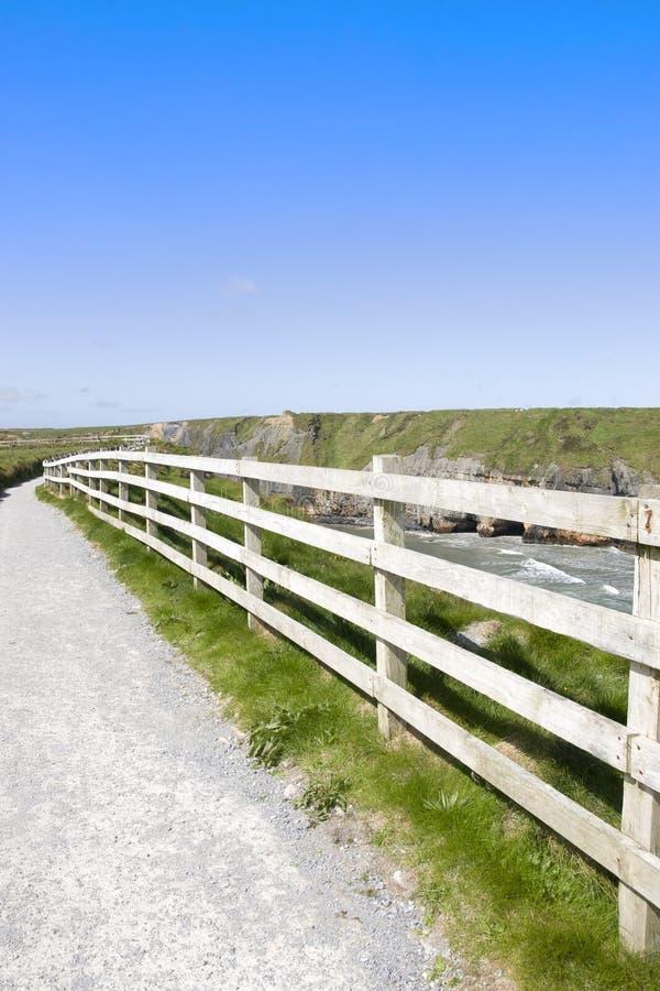 Mening van een weg van de klippengang royalty-vrije stock afbeelding