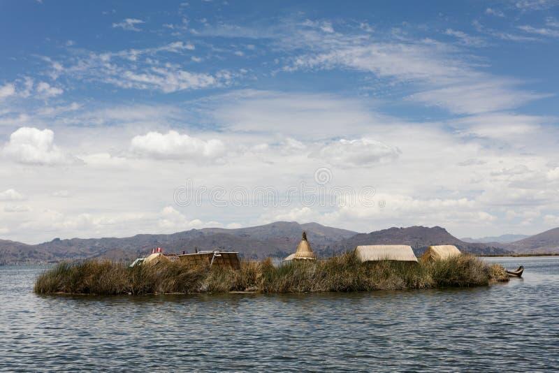 Mening van eilanden Uros stock fotografie