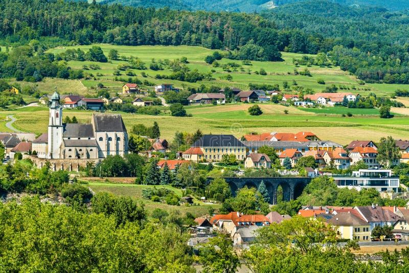 Mening van Emmersdorf een der Donau van Melk-Abdij, Oostenrijk stock fotografie