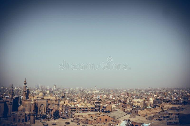 Mening van gebouwen met hemelachtergrond in Kaïro, Egypte stock foto's