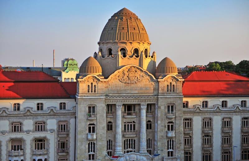 Mening van Gellert-hotel en thermisch kuuroord, Boedapest stock foto