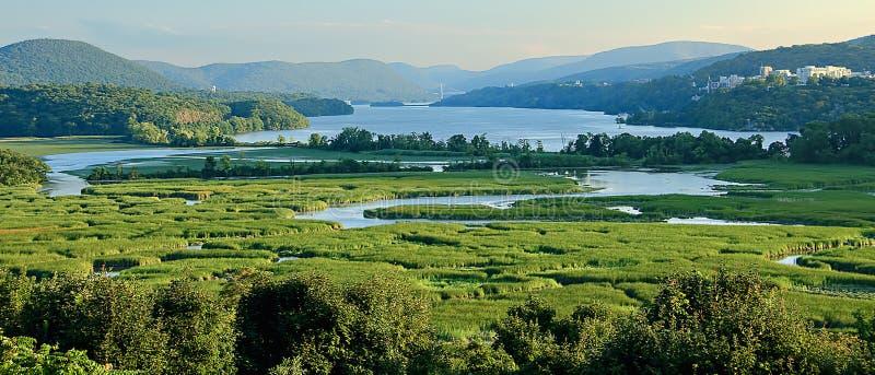 Mening van Grondwetsmoeras en Hudson River royalty-vrije stock afbeeldingen