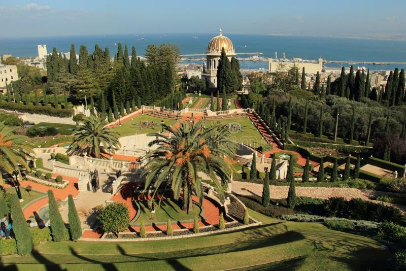 Mening van Haifa van Bahai-Tuinen israël stock afbeeldingen