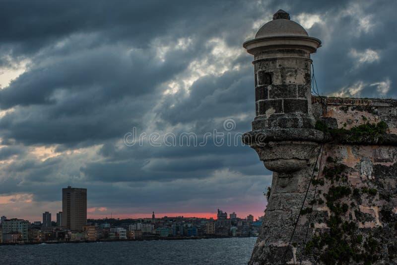 Mening van Havana Cuba van Morro-Kasteel stock afbeeldingen