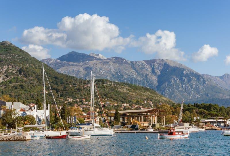 Mening van haven in Tivat-stad montenegro stock afbeeldingen