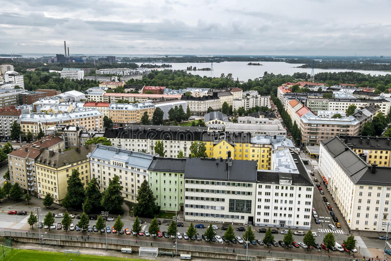 Mening van Helsinki van de toren van het Olympische stadion finland stock afbeeldingen