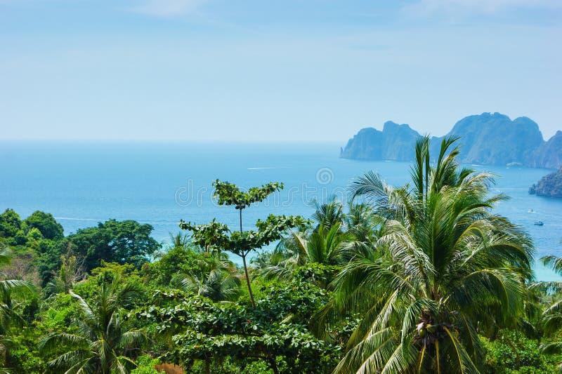 Mening van het eiland Phi Phi Don van het het bekijken punt, Thailand stock afbeelding