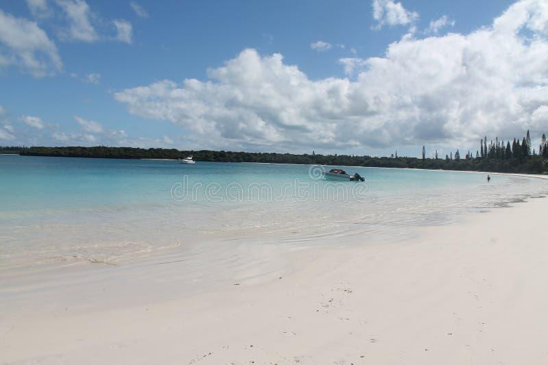 Mening van het Eiland van Pijnbomen, Nieuw-Caledonië royalty-vrije stock foto