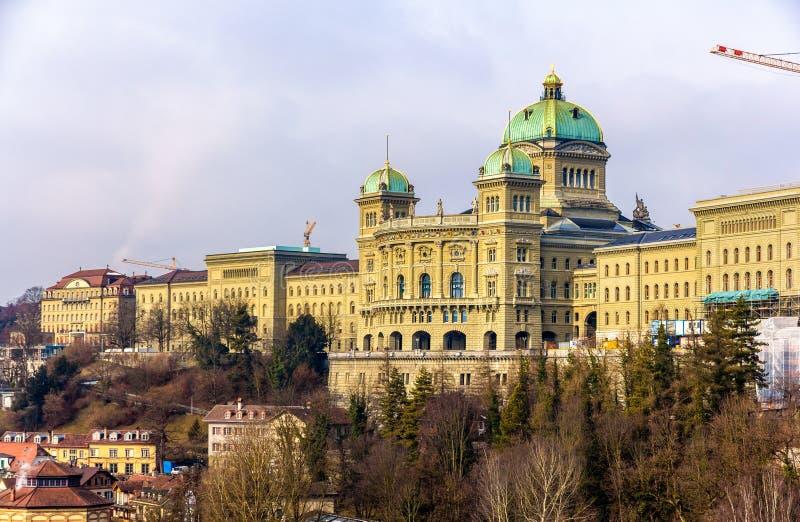 Mening van het Federale Paleis van Zwitserland (Bundeshaus) stock foto's