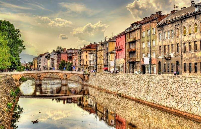 Mening van het historische centrum van Sarajevo royalty-vrije stock fotografie