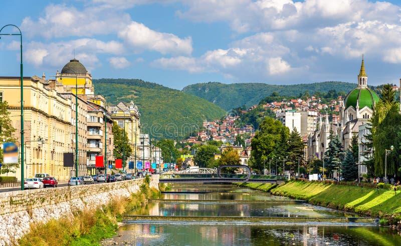 Mening van het historische centrum van Sarajevo stock afbeeldingen